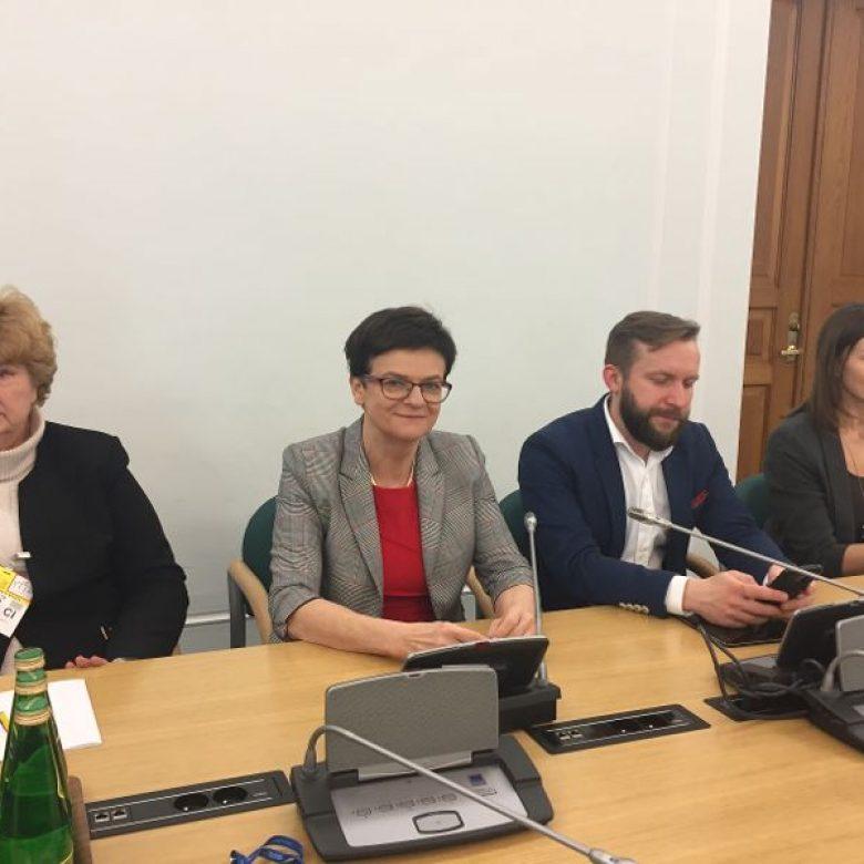 """Debata """"Niedobór pracowników – mit czy realne zagrożenie dla rozwoju Polski?"""""""
