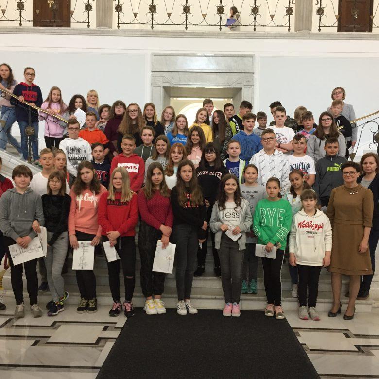 Młodzież w parlamencie