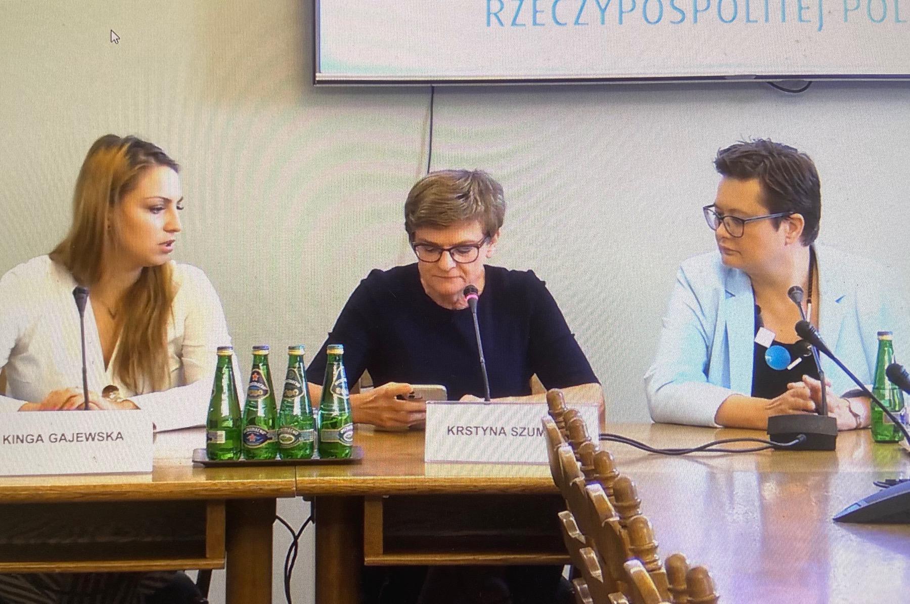 Konsultacje ws. rozpoczęcia nowego roku szkolnego z udziałem ekspertów i parlamentarzystów Koalicji Obywatelskiej.